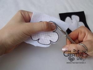 tutorial cerchietto feltro fiore bianco nero 05