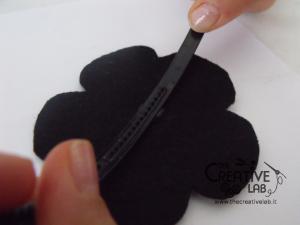 tutorial cerchietto feltro fiore bianco nero 17