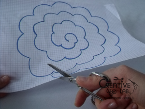 tutorial come fare fiore stoffa feltro 02