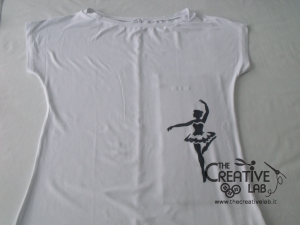 tutorial come decorare t shirt con stencil 10