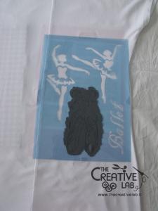 tutorial come decorare t shirt con stencil 32