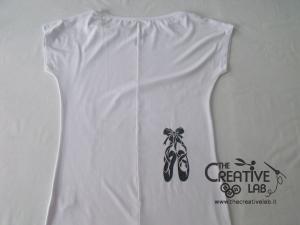 tutorial come decorare t shirt con stencil 38