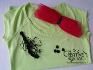 tutorial personalizzare decorare t-shirt maglietta papaveri tulle 01