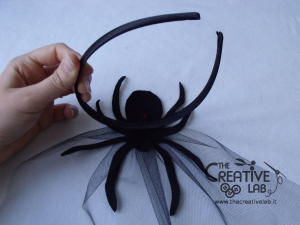 tutorial come fare cerchietto ragno veletta halloween fai da te 19