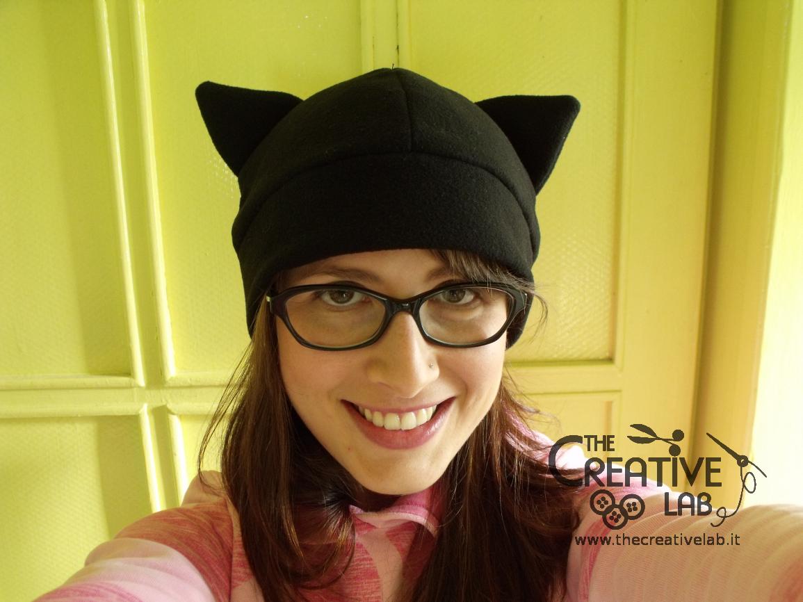 Tutorial  come fare un cappello con le orecchie da gatto fai da te ... 15a7c8aea7ae