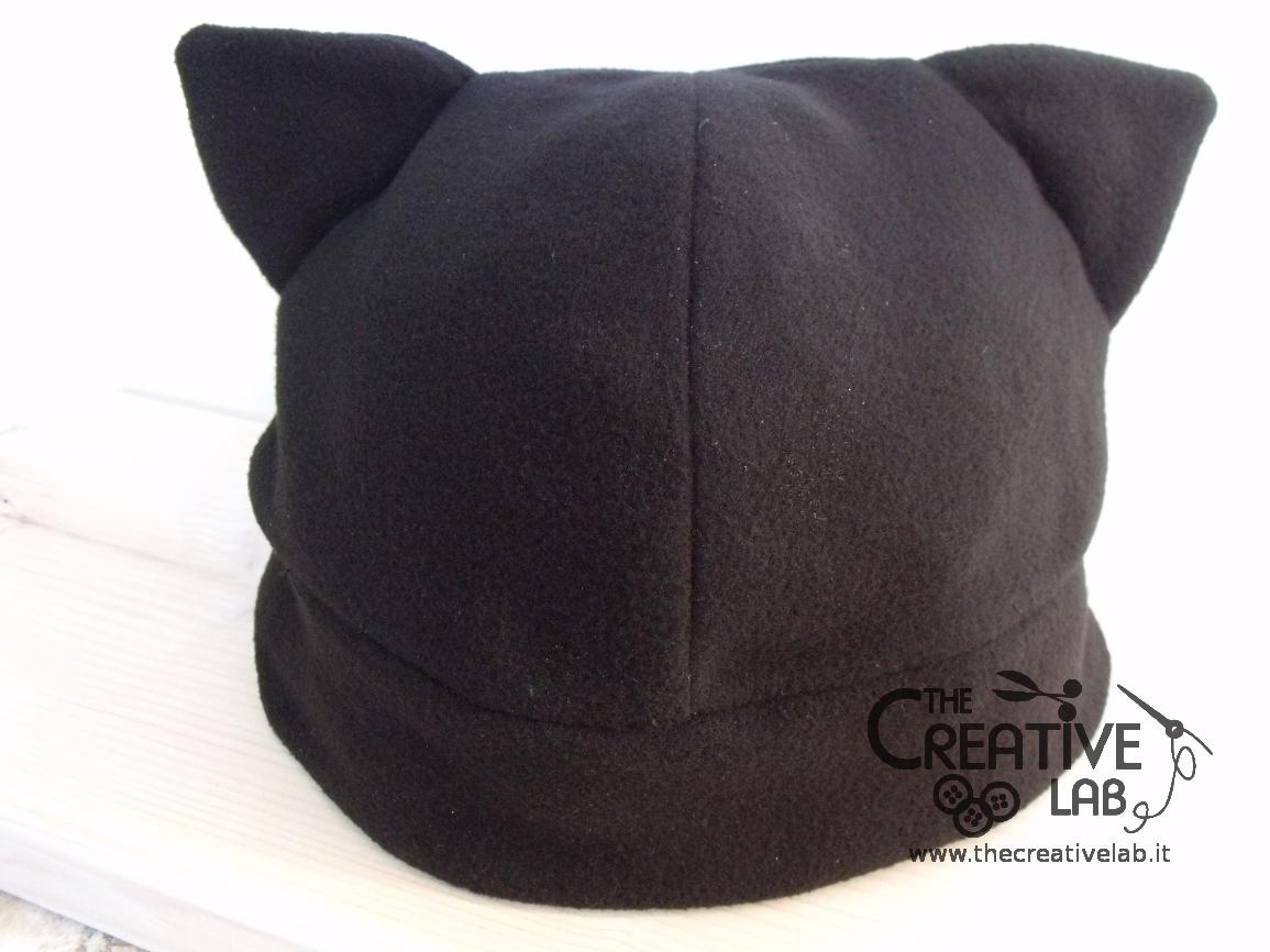Tutorial  come fare un cappello con le orecchie da gatto fai da te ... c742c8097210