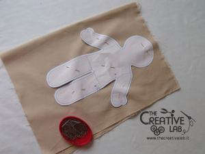 tutorial come fare pigotta corpo bambola stoffa pezza 01