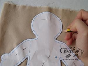 tutorial come fare pigotta corpo bambola stoffa pezza 02