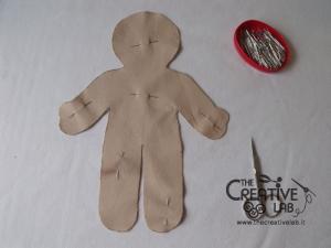 tutorial come fare pigotta corpo bambola stoffa pezza 04