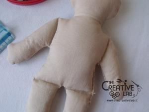 tutorial come fare pigotta corpo bambola stoffa pezza 13