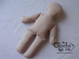 tutorial come fare pigotta corpo bambola stoffa pezza 15