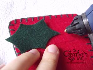tutorial come fare portatovagliolo segnaposto natalizio pannolenci feltro fai da te 14