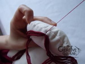 tutorial come fare pigotta viso capelli bambola pezza stoffa 13