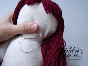 tutorial come fare pigotta viso capelli bambola pezza stoffa 22