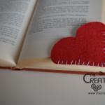 Cuore segnalibro in pannolenci: tutorial per San Valentino